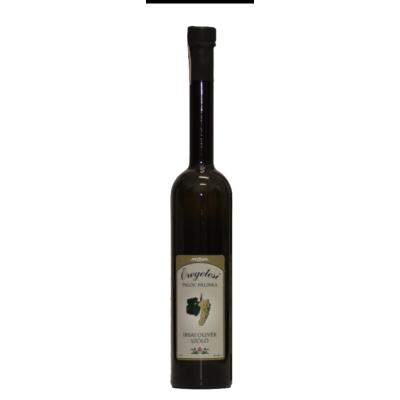 Lunczer Irsai Olivér szőlő  Pálinka